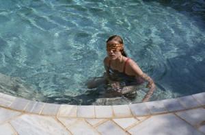 canino-en-la-piscina